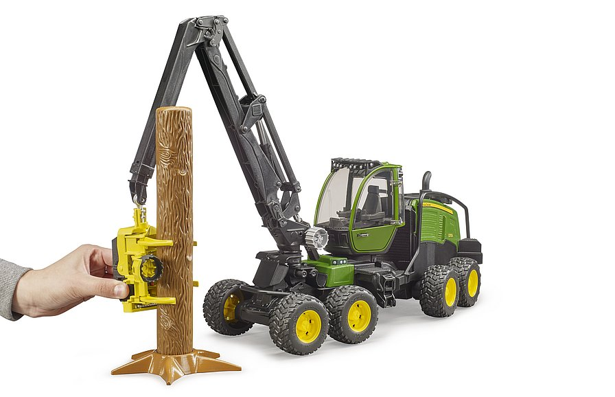 02135 - Harvester
