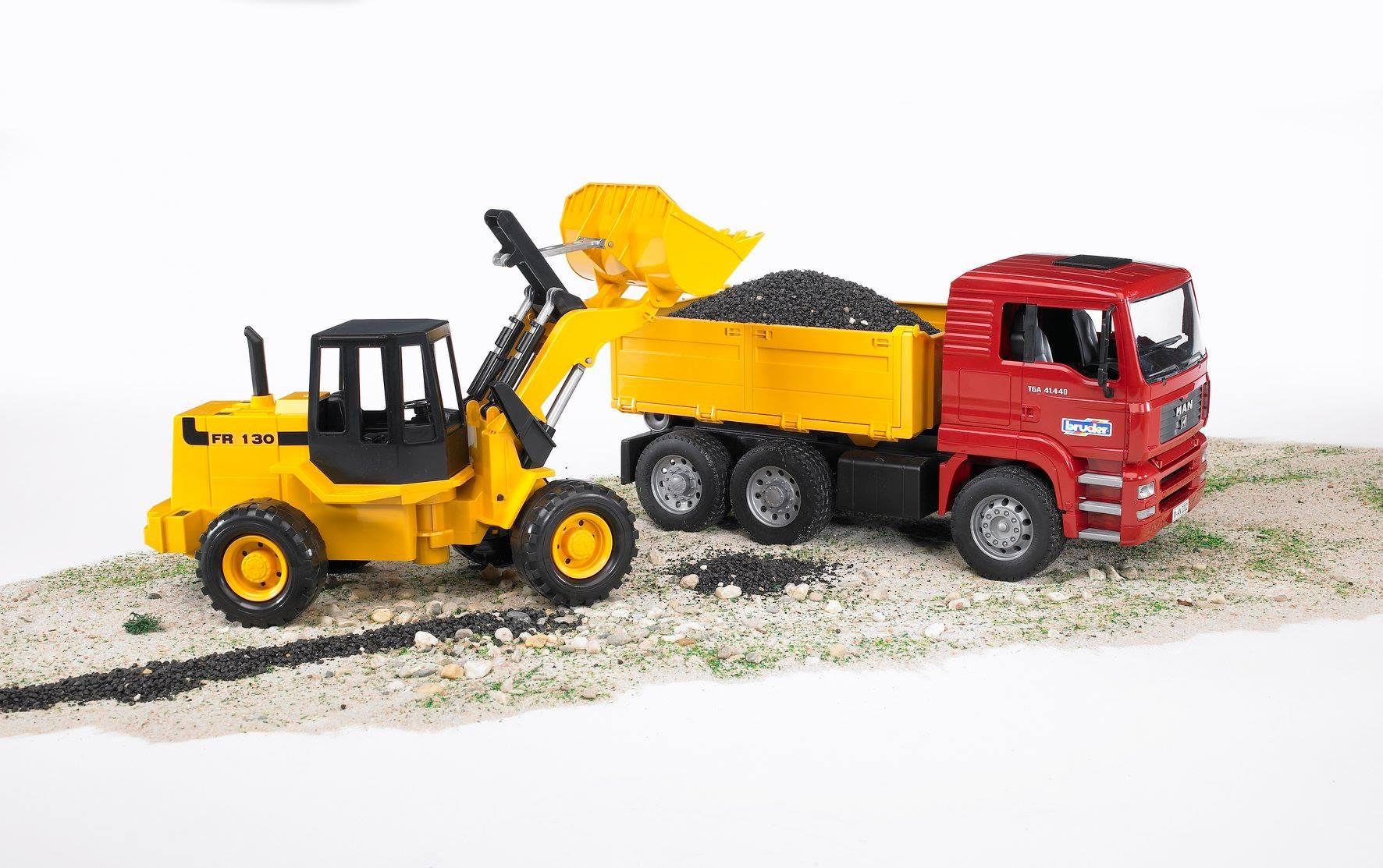 MAN vrachtwagen met Fiat shovel (02752)